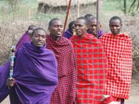 Guerreros de la legendaria tribu masai