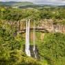 La Cascada de Chamarel se encuentra al lado de la Colina del mismo nombre