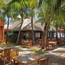 Dinarobin se complementa con Paradis, otro hotel de Beachcomber, pudiendo elegir entre 4 restaurantes en cada uno de ellos