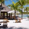 """Le Touessrok dispone de 6 restaurantes, entre ellos """"Barlens"""" el restaurante de la playa"""
