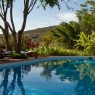 La piscina del Plantation Lodge se encuentra en un marco espectacular