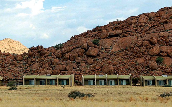 Namib Naukfult Lodge