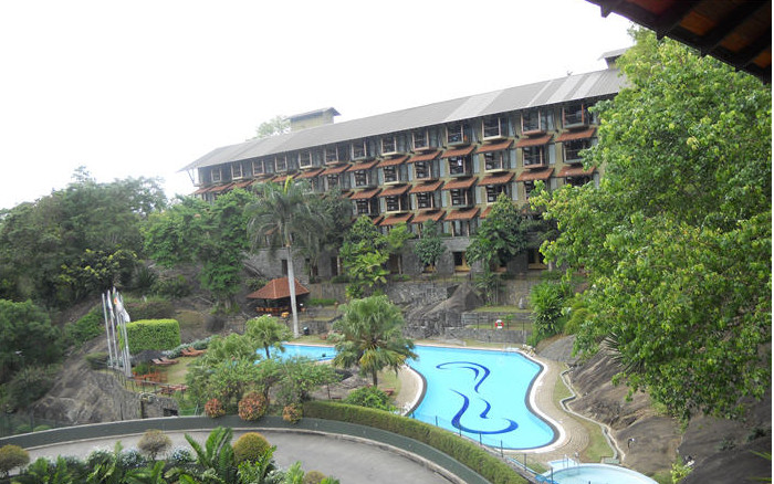 Hotel Earls Regency