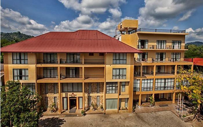 Hotel Oak Ray Regency